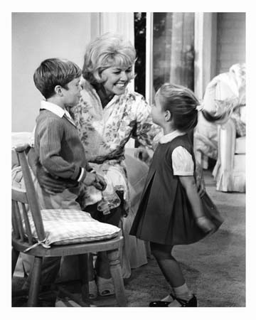 Kim Karath and Doris Day and Brian Nash The Thrill of It All