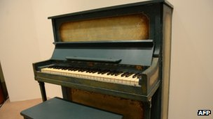 Casablanca piano sold at Southeby's auction