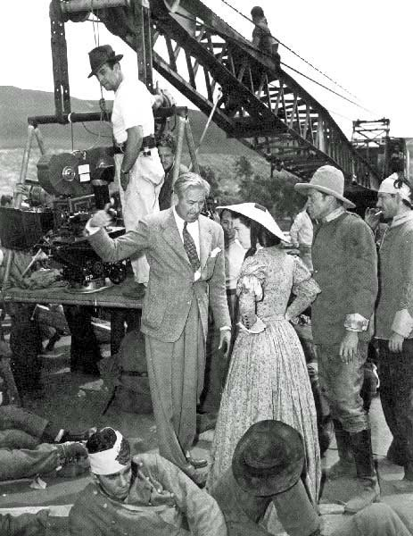 Victor Fleming with Vivien Leigh on the set of Gone with the Wind