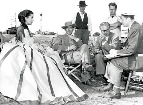 Victor Fleming with Vivien Leigh and Clark Gable on Gone with the Wind set