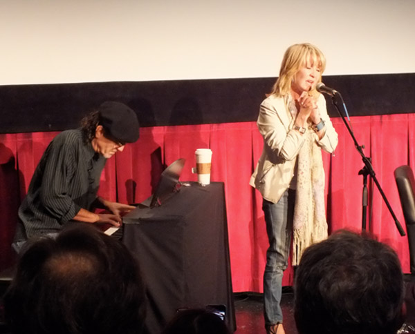 Lulu singing To Sir With Love at TCMFF