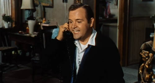 Dom Deluise in The Busy Body