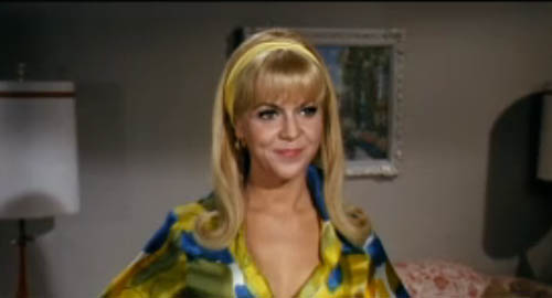 Arlene Golonka as Bobbi Brody