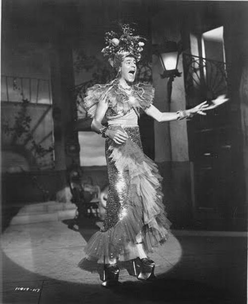 Jerry Lewis imitating Carmen Miranda in the movie Scared Stiff 1953
