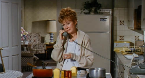 Kay Medford in The Busy Body