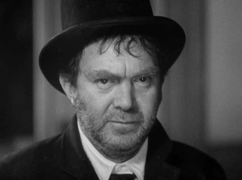 Thomas Mitchell as Doc Boone in Stagecoach