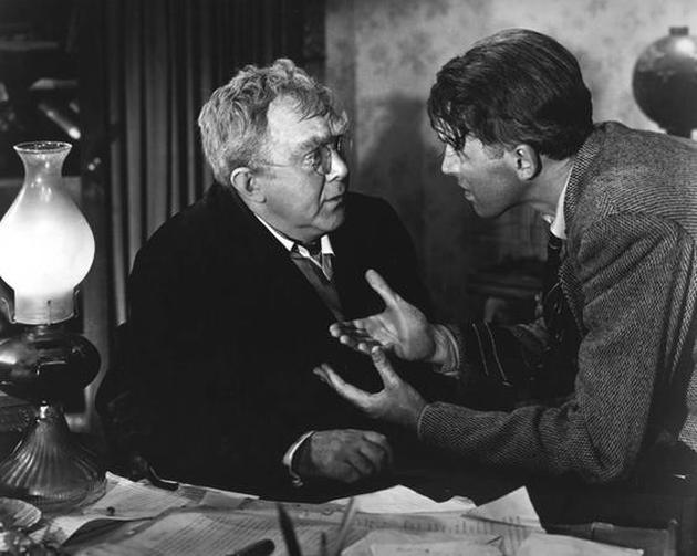 Thomas Mitchell as Uncle Billy with James Stewart as George Bailey in It's a Wonderful Life