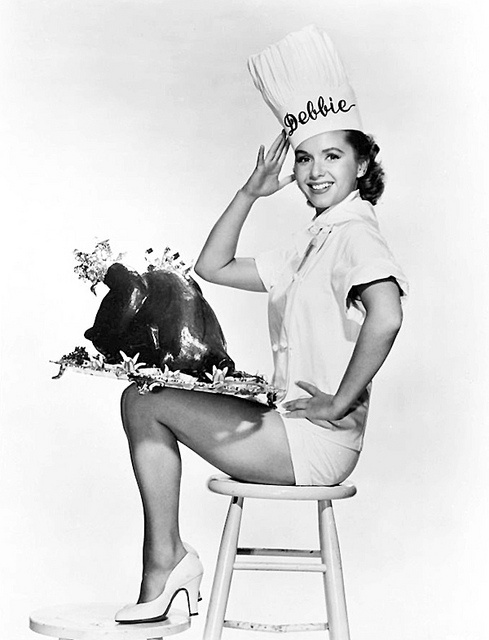 Debbie Reynolds with turkey, Thanksgiving