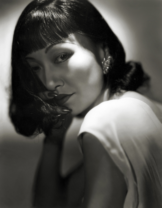 Anna May Wong by Hurrell 1938 [photo: George Hurrell's Hollywood (Running Press)]