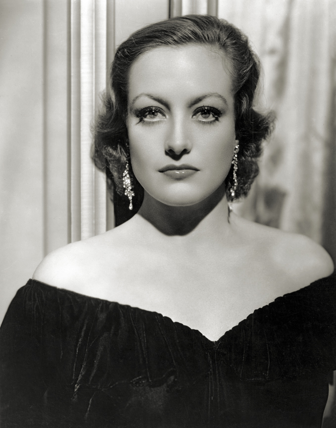 Joan Crawford 1931 by Hurrell [photo: George Hurrell's Hollywood (Running Press)]