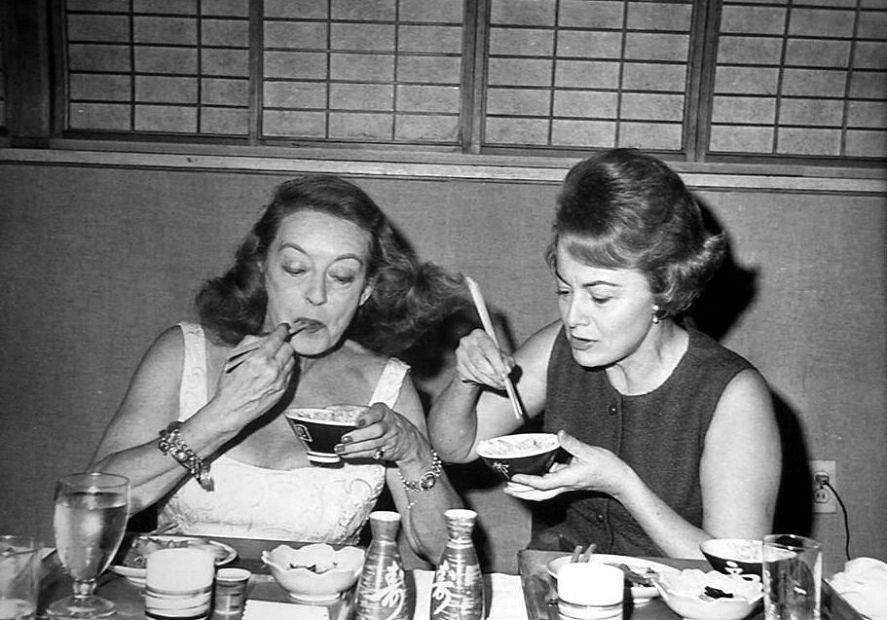 Bette Davis and Olivia de Havilland, Best Friends