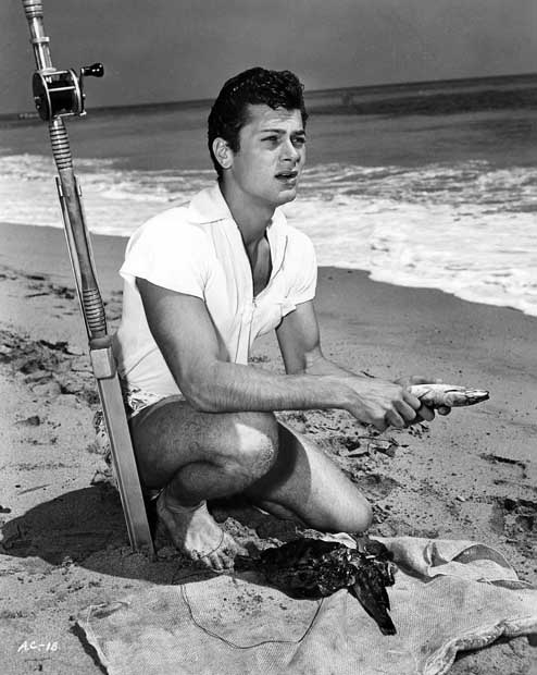 tony-curtis-fishing