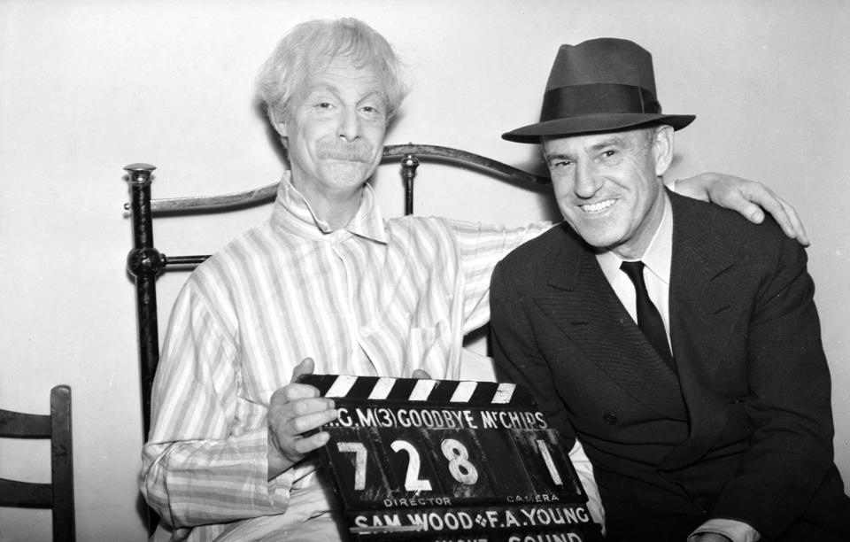 Robert Donat and Sam Wood on the set of Goodbye Mr. Chips