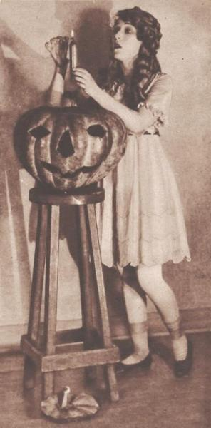 Mary Pickford Halloween