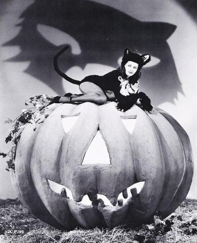yvonne de carlo halloween