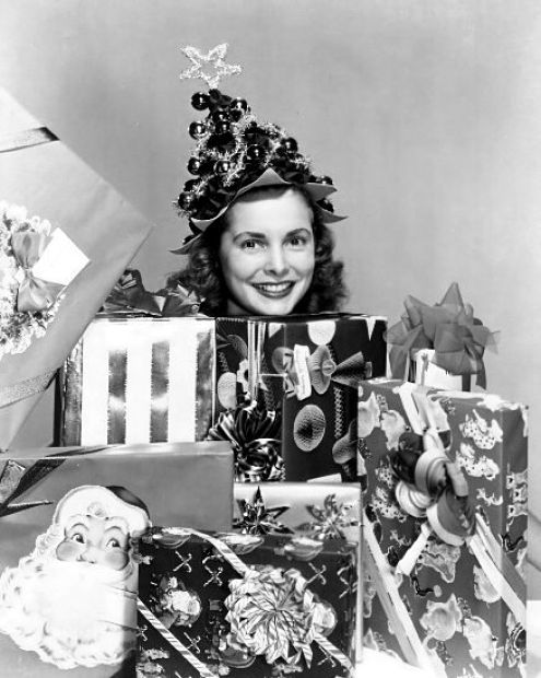 Janet Leigh under the tree