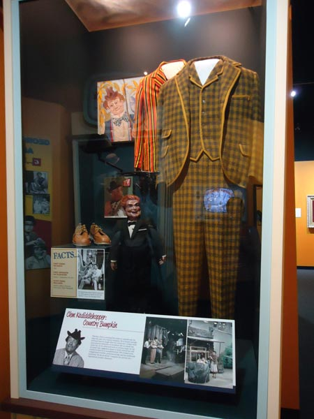 Claude Kadiddlehopper costume at Red Skelton Museum
