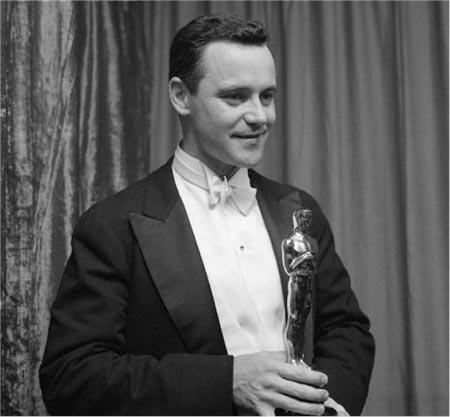 Jack Lemmon wins Oscar