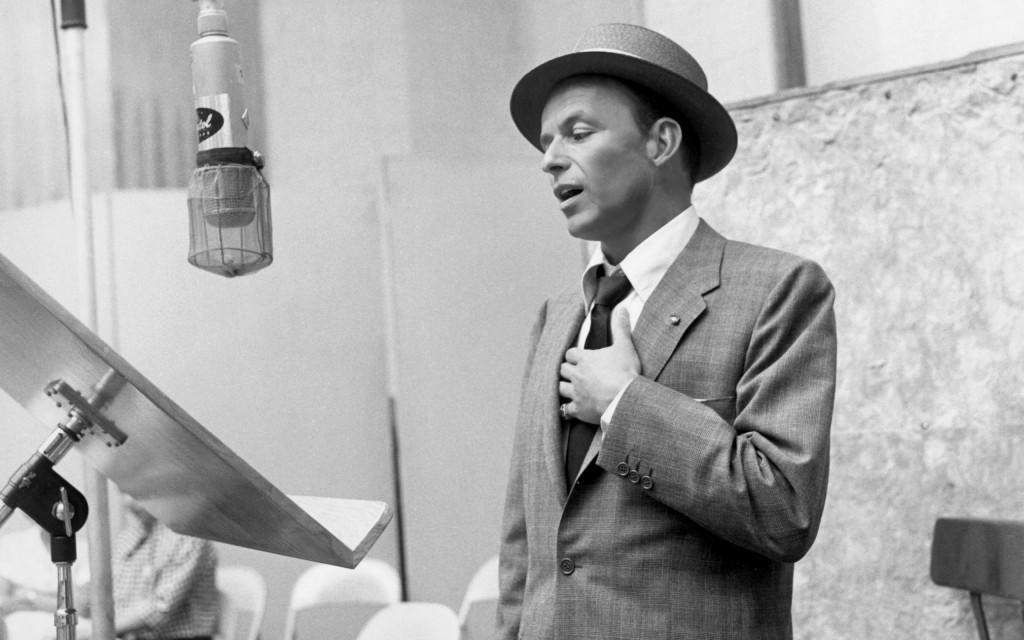 Frank-Sinatra singing