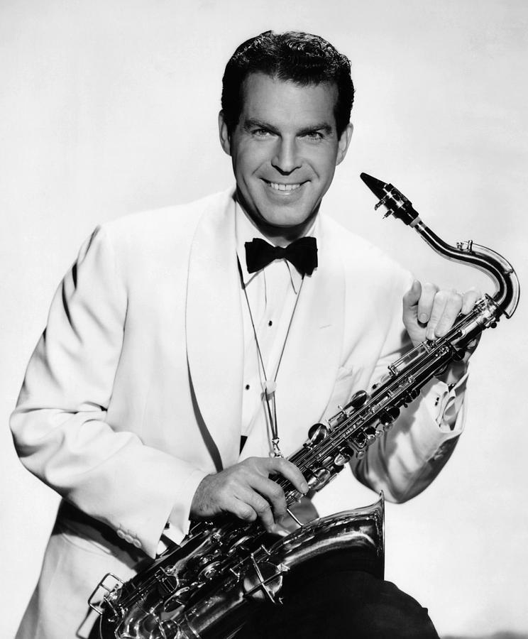 Fred_MacMurray saxophone