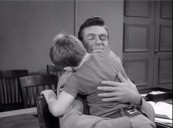 The Andy Griffith Show, Medal for Opie, hug