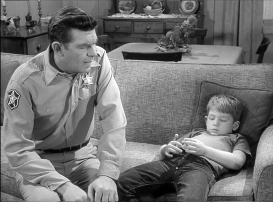 The Andy Griffith Show, Medal for Opie, Andy and Opie after Opie loses race, Andy is disapointed in Opie