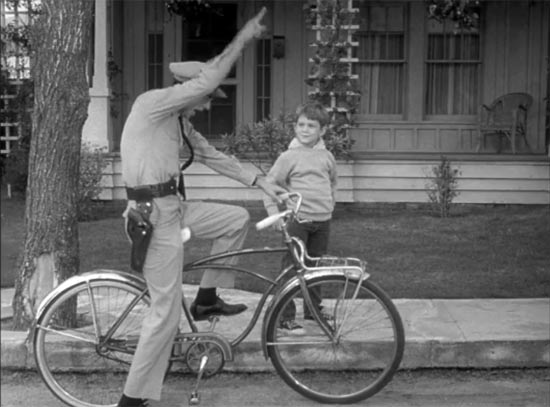 The Andy Griffith Show, Medal for Opie, Barney on bike