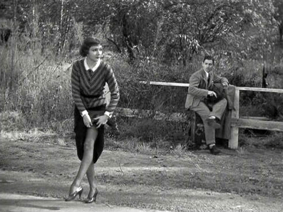 Claudette_Colbert_in_It_Happened_One_Night_hitch_hike_wont_use_my_thumb