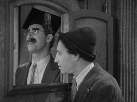 Horse Feathers speakeasy scene, Groucho and Chico