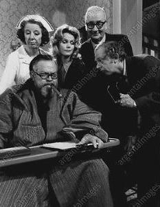 Mary-Wickes-Orson-Welles-Lee-Remick-Edward-Andrews-Don-Knotts-The-Who-Came-To-Dinner