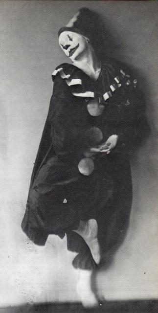 Dave Fleischer in Koko the Clown get-up for the first rotoscoped cartoon 1914