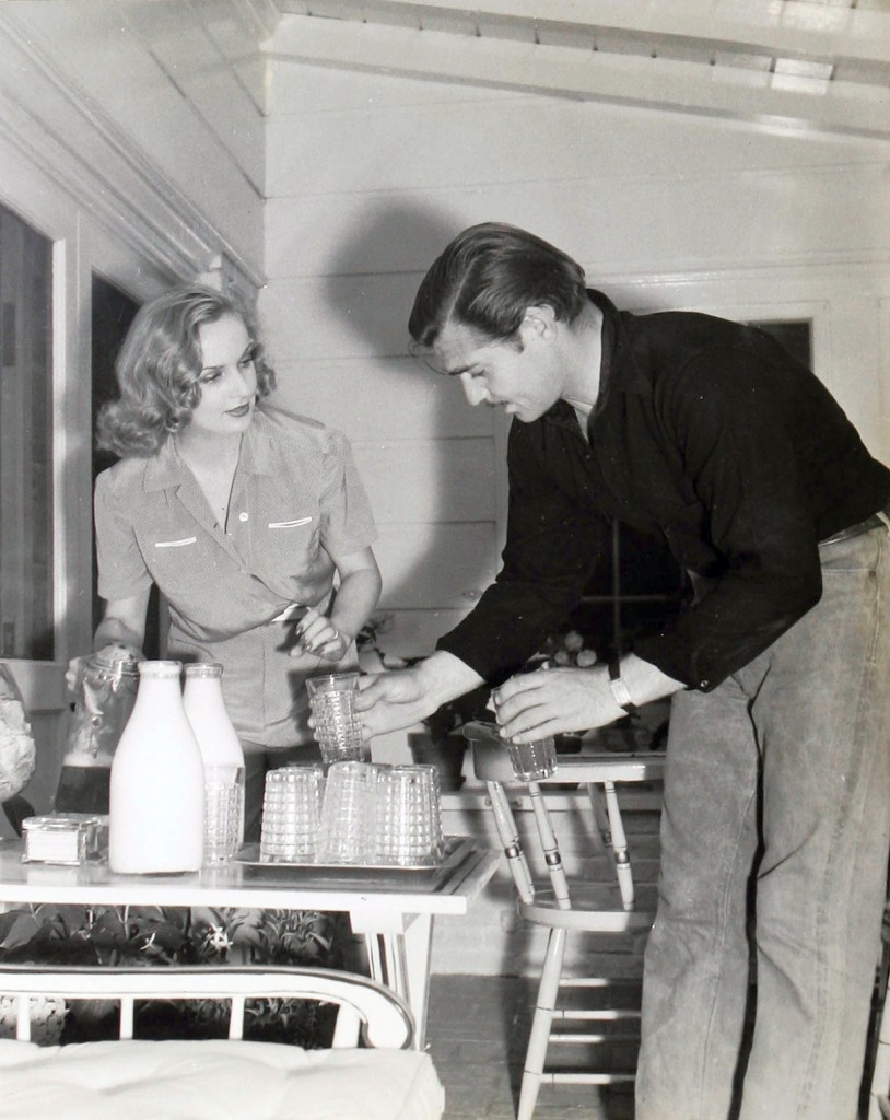 Clark Gable and Carole Lombard at home, 1940