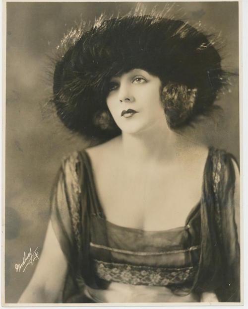 Barbara La Marr James A. Woodbury portrait 1921
