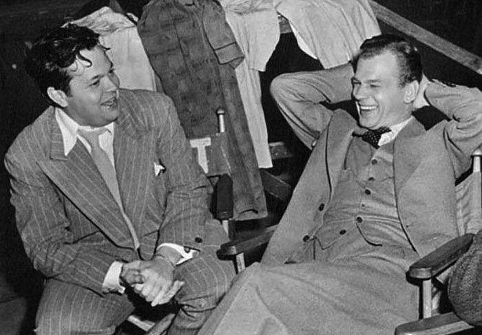 Orson Welles and Joseph Cotten on the set.