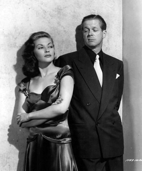 Yvonne DeCarlo and Dan Duryea in Criss Cross