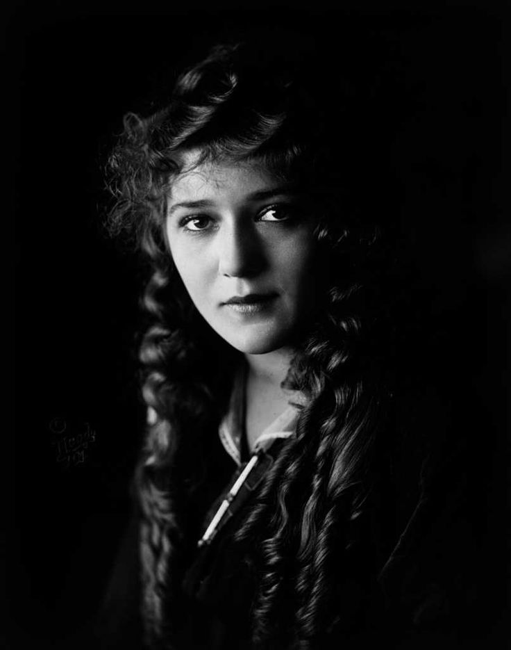 Mary Pickford Headshot