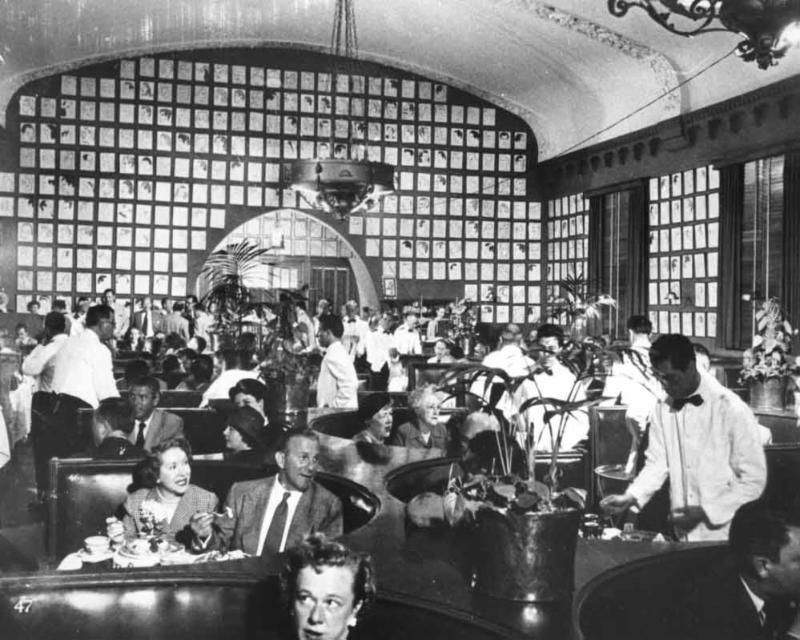 Interior of the Hollywood Brown Derby with Burns and Allen dining in the foreground