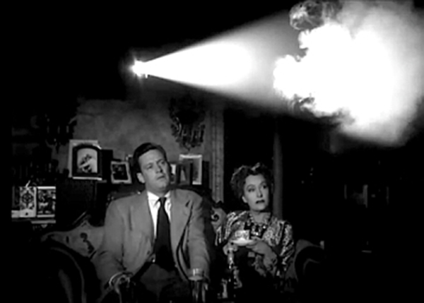 Sunset Boulevard (1950) William Holden and Gloria Swanson in Theatre