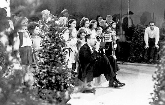 Joseph_Henabery_Toyland_Casino_1938_Candid2