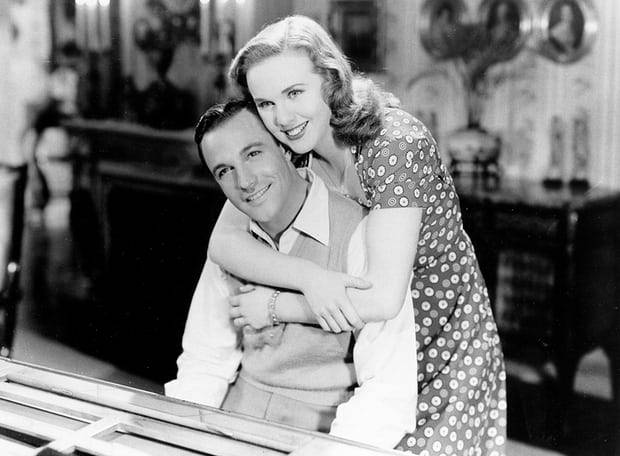 Christmas Holiday (1944) Gene Kelly and Deanna Durbin