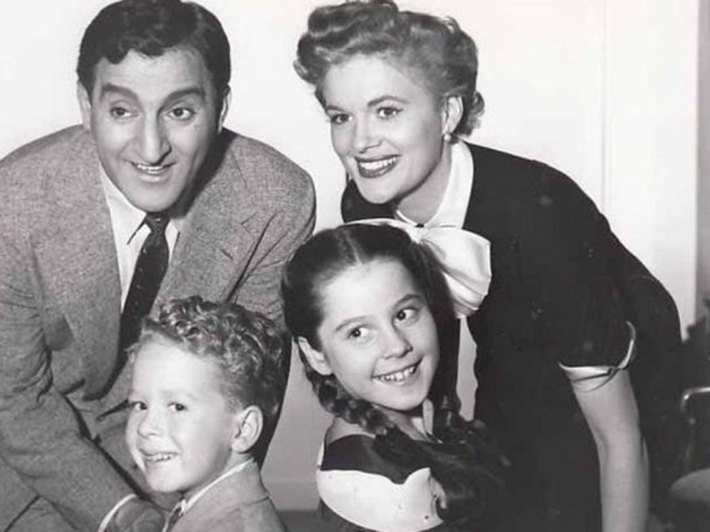 Danny Thomas, Rusty Hamer, Sherry Jackson and Jean Hagen in Make Room for Daddy (1953)