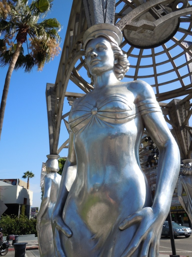 Dolores del Rio Hollywood and La Brea Gateway statue