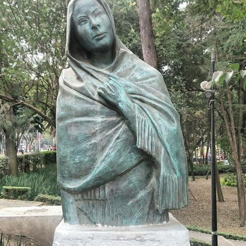 Dolores del Rio Parque Hundido bust Mexico