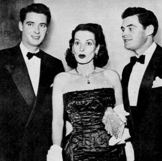 Maureen O'Hara and brothers, producer and actor Charles Fitzsimons (l) and James Fitzsimons