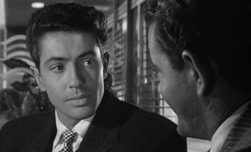 Farley Granger in Strangers on a Train (1950)