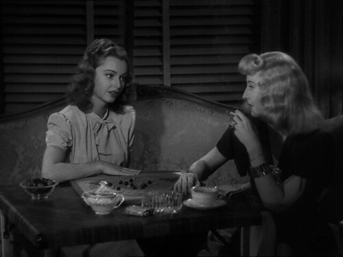 Jean Heather and Barbara Stanwyck in Double Indemnity (1944)
