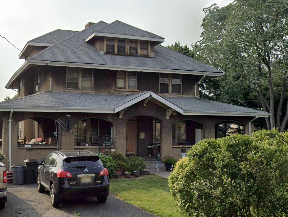 495 Maywood Ave in Maywood, New Jersey