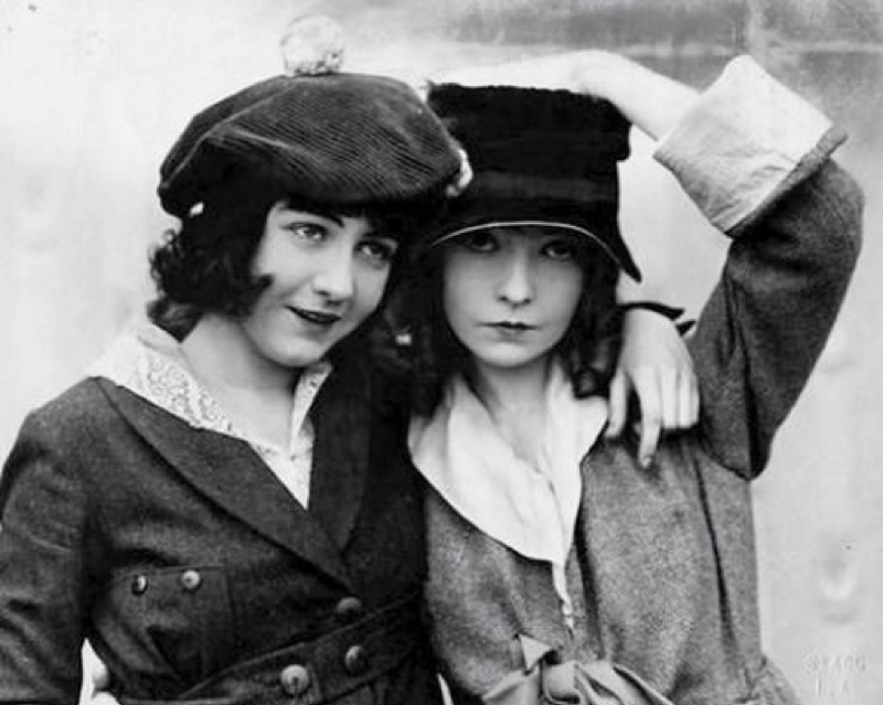 Lillian and Dorothy Gish around the time of Hearts of the World.
