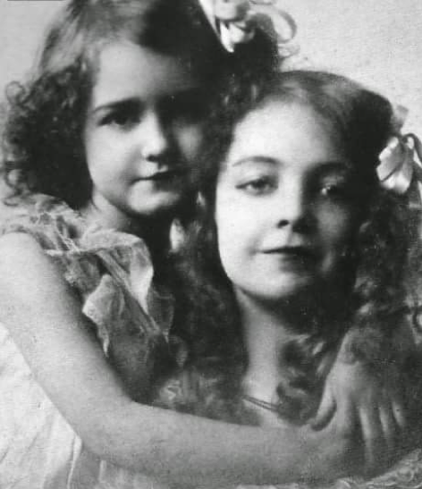 Lillian and Dorothy Gish  as children