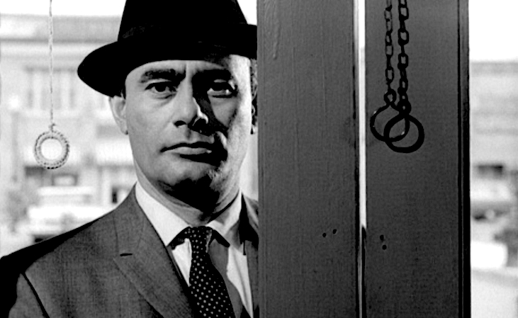 Martin Balsam as Ar-bo-gast in Psycho